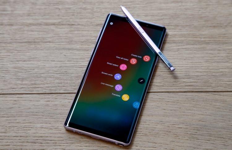 """Samsung случайно обновила Galaxy Note 10 одного пользователя до Android 10"""""""