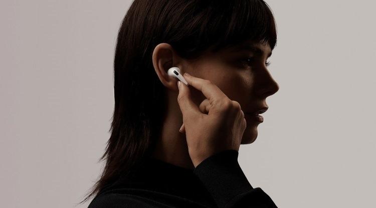 """Apple AirPods очень популярны: аналитики оценивают продажи за «Чёрную пятницу» в 3 млн"""""""