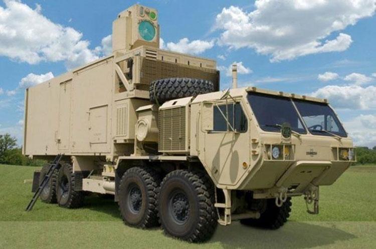 Армейский демонстрационный лазер HEL (High Energy Laser) на грузовике