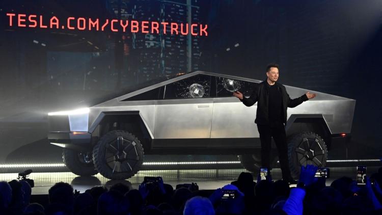 """Tesla изменила график выпуска Cybertruck в связи с высоким спросом на более мощные версии"""""""