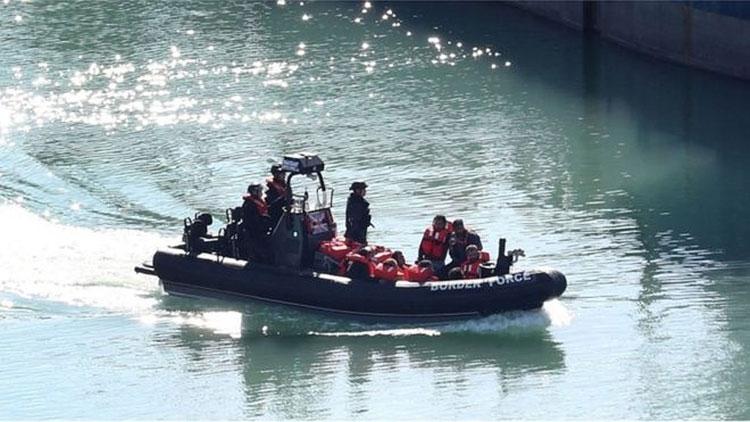 В этом году пограничниками в проливе Ла-Манш были перехвачены сотни мигрантов (PA Media)