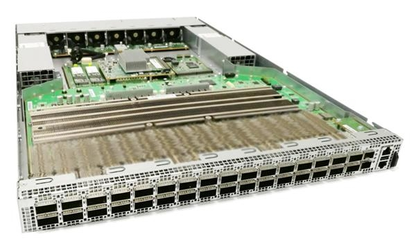 Коммутатор на базе Tomahawk 3: 32 порта 400GbE. Новый процессор позволит удводить их число