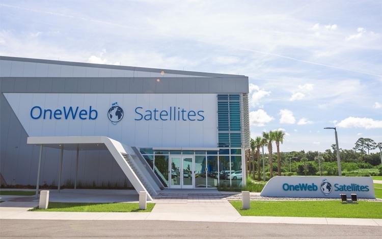 """Спутники OneWeb для первого запуска с Байконура отправлены на космодром"""""""