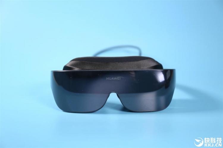 Очки виртуальной реальности Huawei VR Glass поступают в продажу