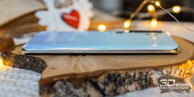 Xiaomi Mi Note 10, левая грань свободна от функциональных элементов