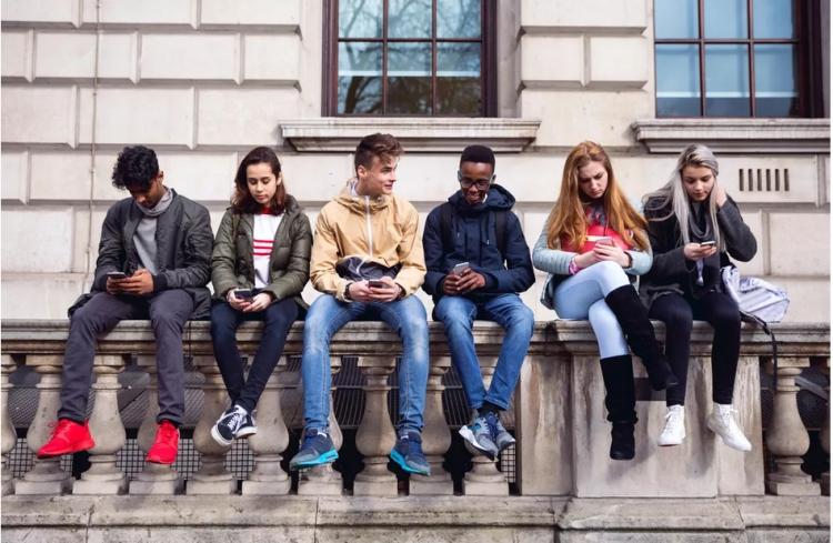 В одном из штатов США хотят запретить использование смартфонов до 21 года