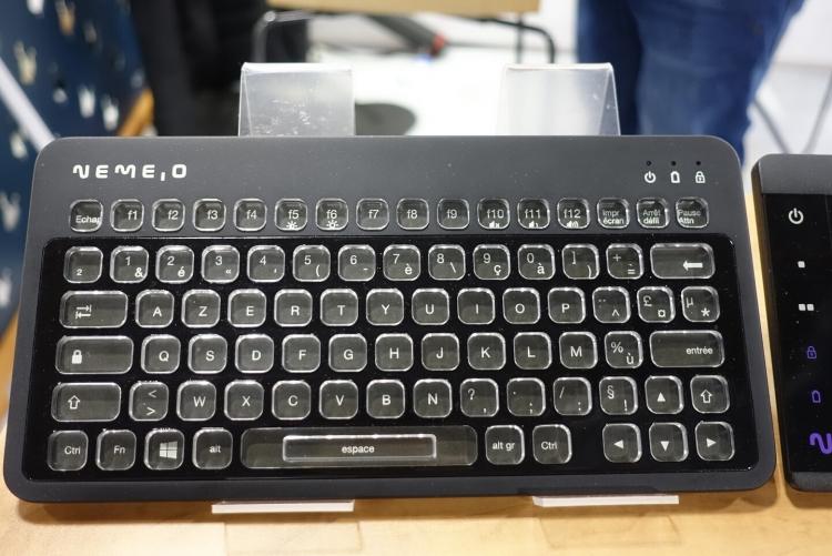 Первый вариант клавиатуры Nemeio