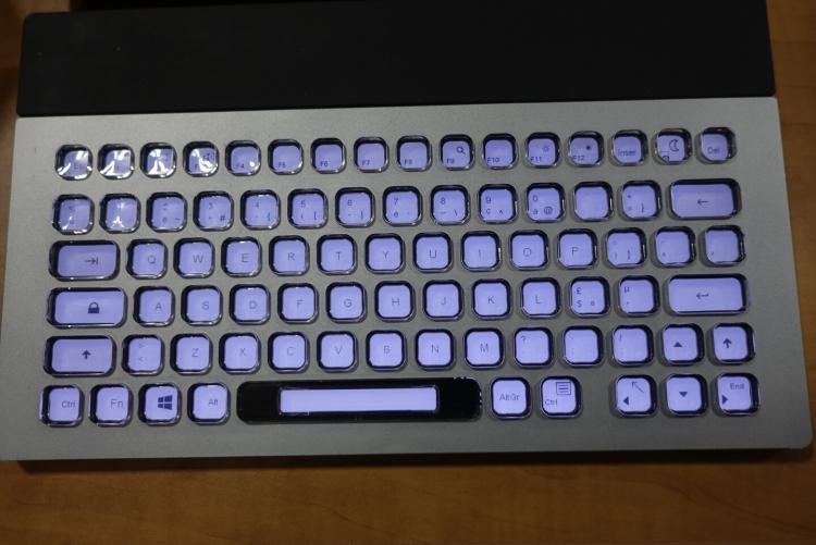 Прошлогодний вариант клавиатуры Nemeio
