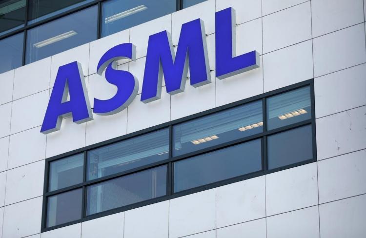 Китай предостерёг Нидерланды от запрета на поставки оборудования ASML