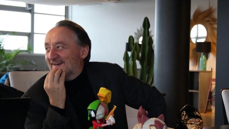 Творческий директор Серж Хаскот (Serge Hascoet) продолжит руководить редакционной командой