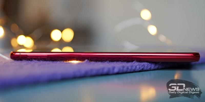 Samsung Galaxy Note10 Lite, левая грань: слот для карточек nano-SIM и/или карты памяти microSD