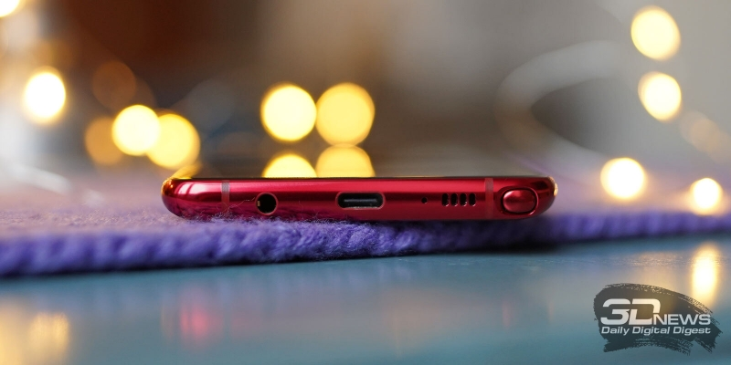 Samsung Galaxy Note10 Lite, нижняя грань: аналоговый аудиоразъем, порт USB Type-C, микрофон, динамик, гнездо для пера S Pen