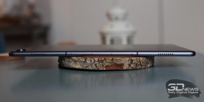 Huawei Mediapad M6 10.8, верхняя грань: четыре микрофона и два динамика