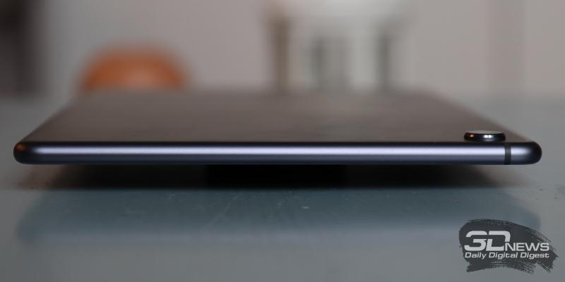 Huawei Mediapad M6 10.8, левая грань свободна от функциональных элементов