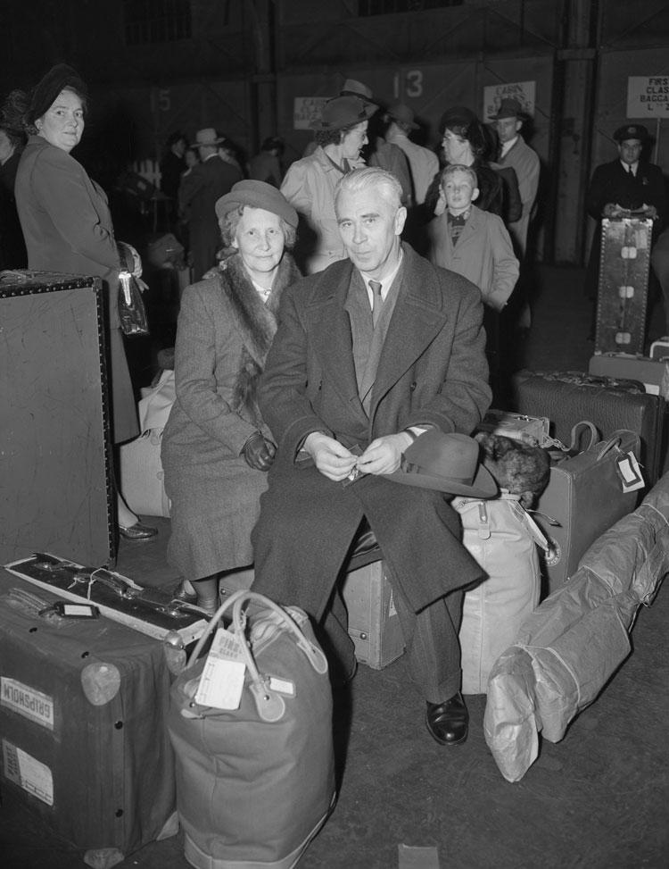 Борис Хагелин с женой в Нью-Йорке в 1949 году ()