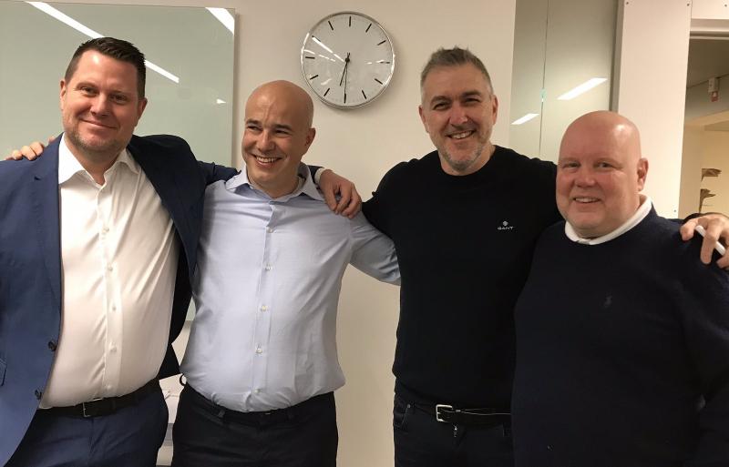 Слева направо: Ларс Вингефорс, сооснователи Saber Interactive Андрей Ионес (Andrew Iones) и Мэттью Карч, заместитель генерального директора Embracer Group Эрик Стенберг (Erik Stenberg)
