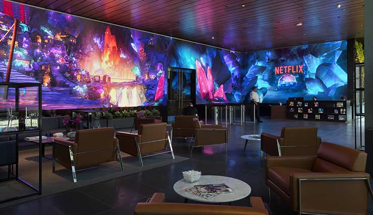 Знаменитая 24-метровая видеостена в штаб-квартире Netflix