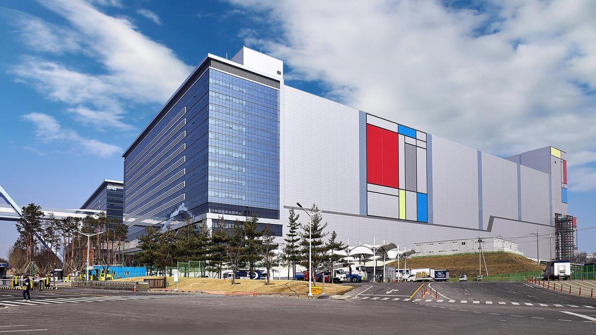 SK Telecom закрыл штаб-квартиру в Сеуле из-за коронавируса