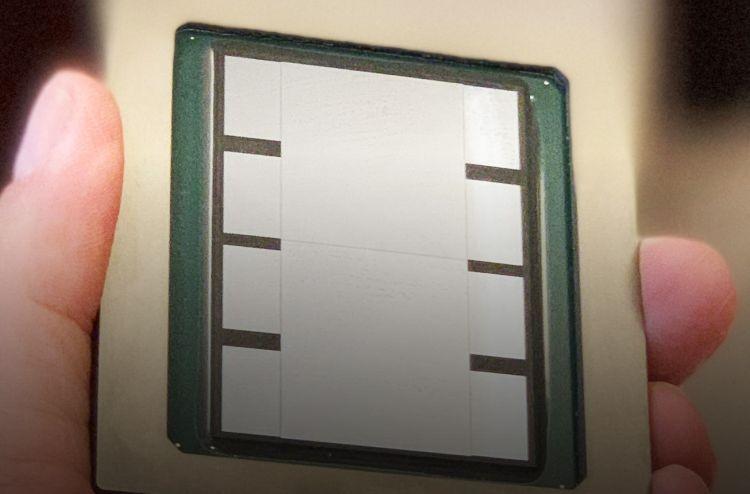 Экспериментальный интерпозер площадью 1800 мм2. В серию пойдёт мост менгшей площади порядка 1700 мм2.