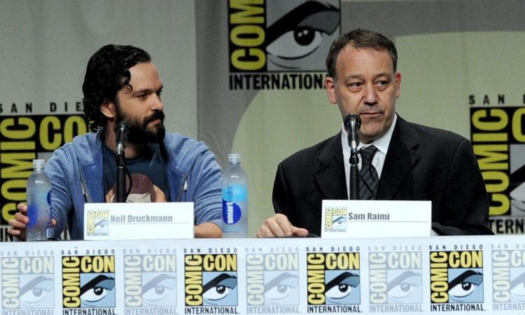 Нил Дракманн (слева) и Сэм Рейми (справа) на Comic-Con International 2014