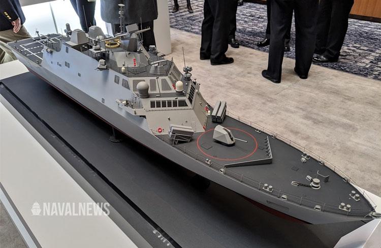 Масштабная модедель корабля прибрежной зоны класса Freedom с многоуровневым лазерным вооружением Lockheed Martin на выставке SNA 2020