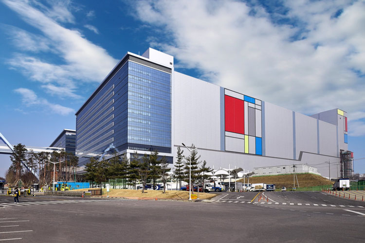 Новый завод V1 компаниb Samsung