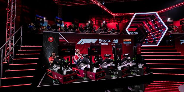 В отличие от официальных киберспортивных соревнований по «Формуле-1», участники виртуальных Гран-При не будут находиться в одном помещении