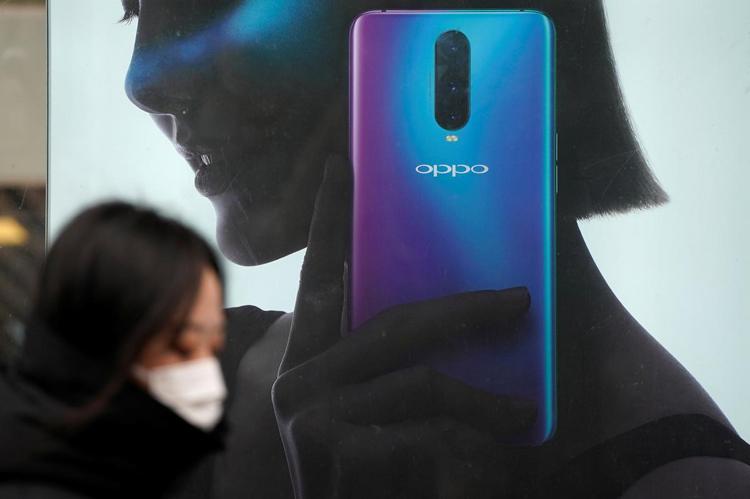 """OPPO готовит производительный смартфон с 6,5"""" экраном Full HD+ и квадрокамерой"""