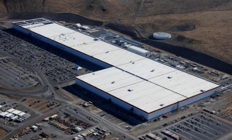 Tesla на 75 % снизит количество работающих на заводе в Неваде