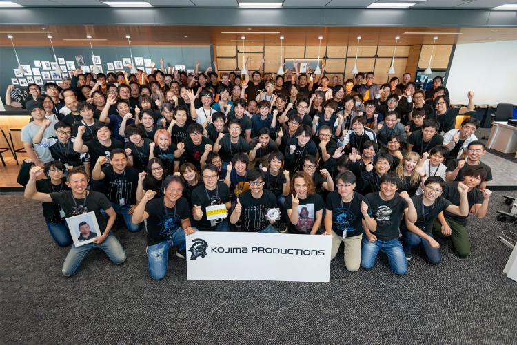 Сотрудники Kojima Productions радуются отправке Death Stranding в печать