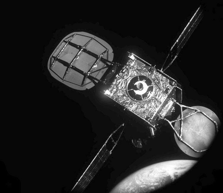 20 метров до стыковки MEV-1 со спутником связи (Northrop Grumman)