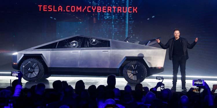 Илон Маск: разбитое стекло Tesla Cybertruck помогло привлечь к нему больше внимания