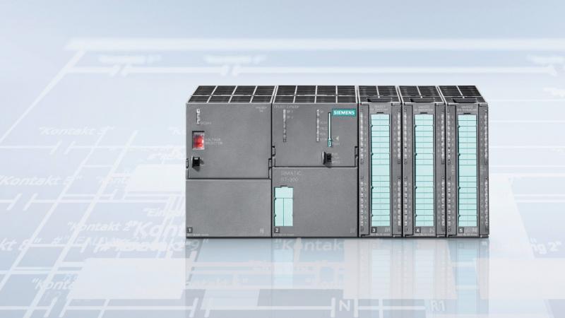 контроллеры Siemens Simatic S7-300 – именно такие контроллеры и управляющие ими машины интересовали Stuxnet. Изображение с официального сайта Siemens]