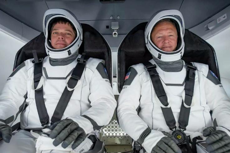 NASA и SpaceX совершат свой первый исторический полет в разгар пандемии