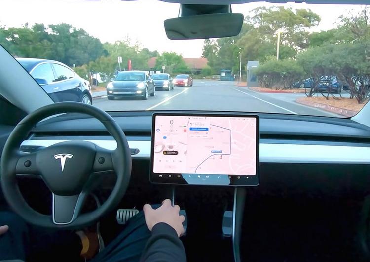На свалках найдены бортовые компьютеры Tesla с личными данными автомобилистов