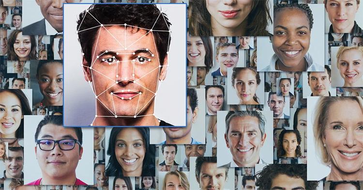 В базе данных Clearview AI числится более 3 млрд фотографий