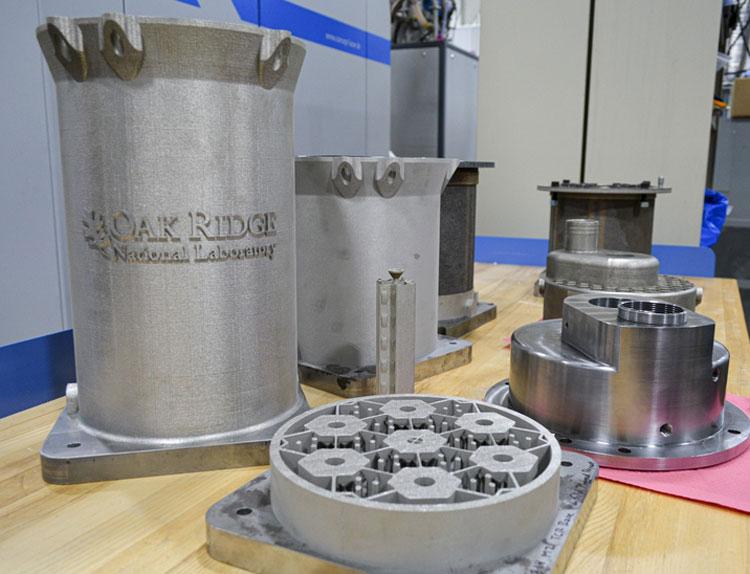 Напечатанные 3D-принтером элементы активной зоны микрореактора (Britanny Cramer/ORNL/US Dept. of Energy)