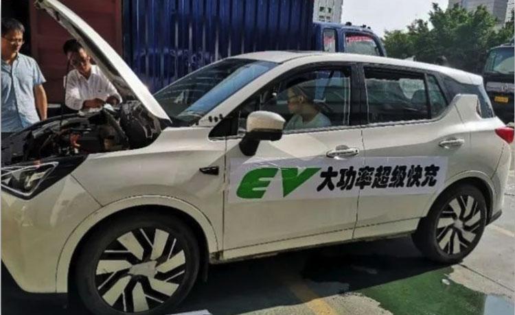 Китайский автопром начнёт осваивать «графеновые» аккумуляторы до конца года