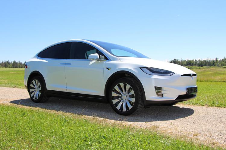 Tesla выбрала два места для строительства своего крупнейшего в США завода