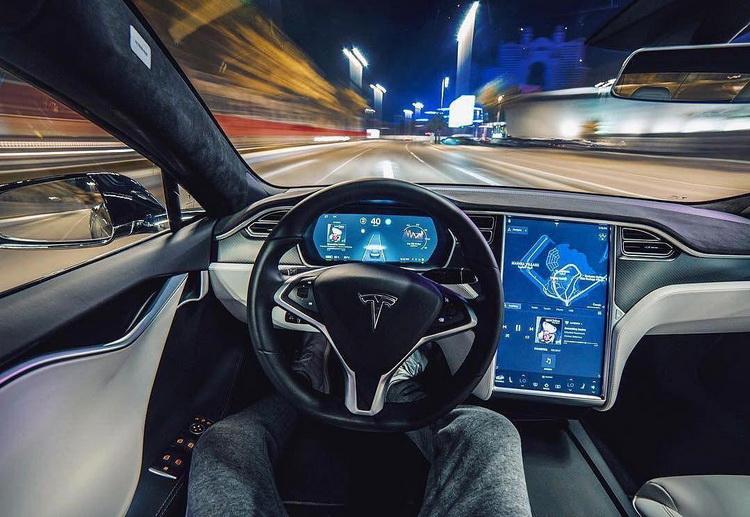 Полноценный автопилот Tesla подорожает на $1000 к июлю