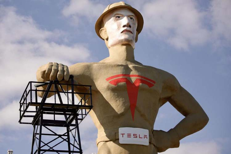 Оклахома завлекает Илона Маска с помощью огромной статуи с его лицом