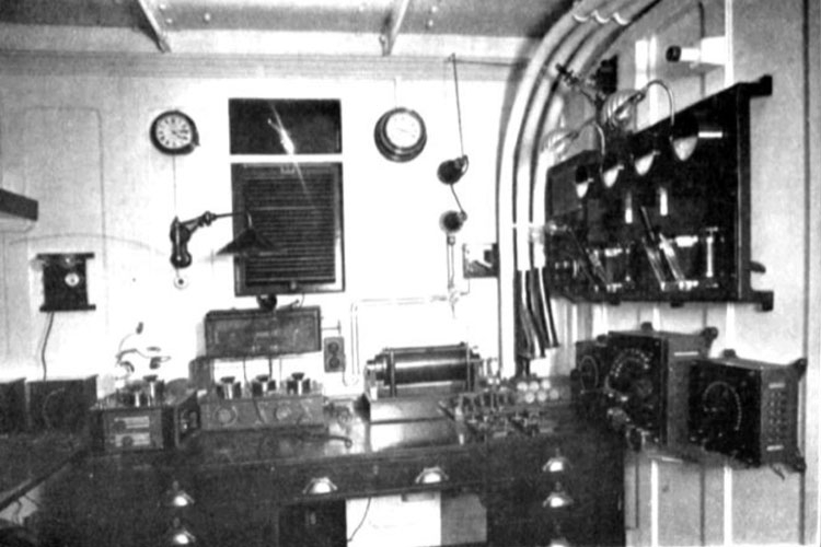 Телеграф Маркони в радиорубке Титаника