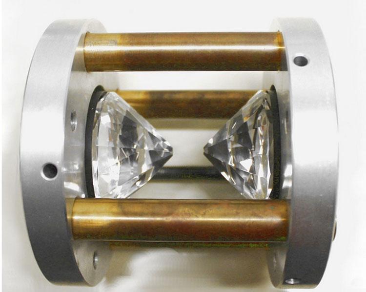 Алмазная наковальня для создания немыслемого давления