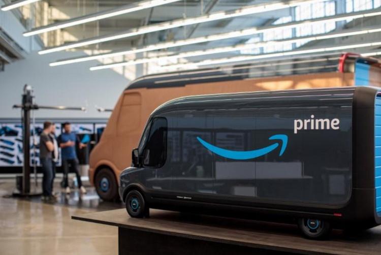 Макет коммерческого электрофургона Rivian для компании Amazon