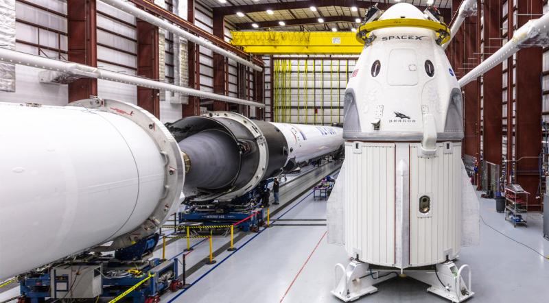 Америка получила ракетно-космическую систему Falcon-9 — Crew Dragon для доставки астронавтов на орбиту. Фото SpaceX