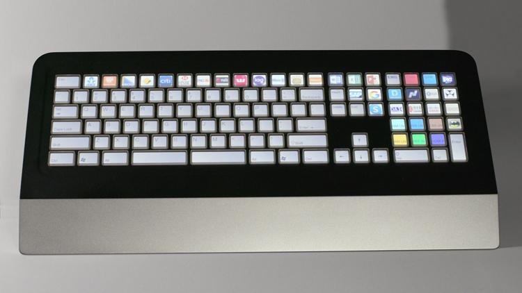Инновационная клавиатура PKB 5000 использует большой экран для персонализации клавиш