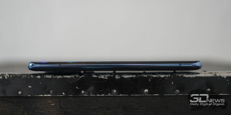 Xiaomi Mi 10, левая грань лишена функциональных элементов