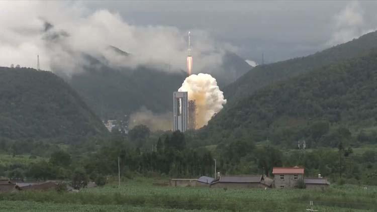 Китай запустил последний спутник для навигационной системы Beidou