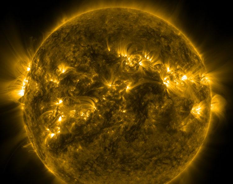 Солнце на кадре из фильма NASA