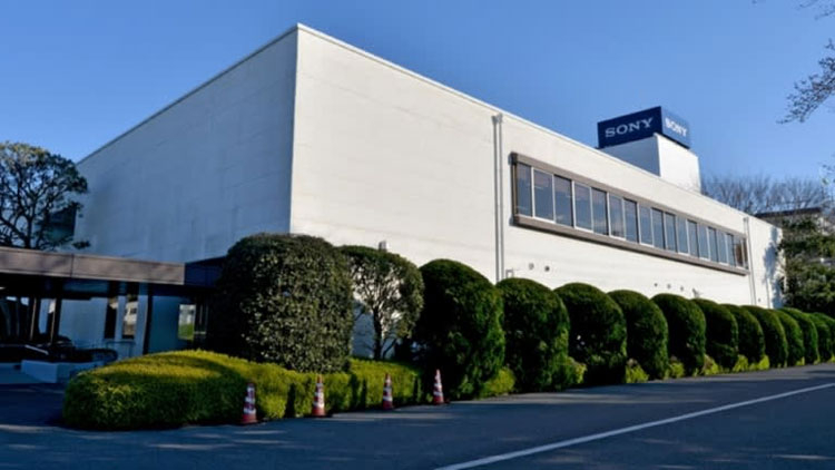 Завод Sony с автоматизированной линией (Nikkei, фото Kento Awashima)